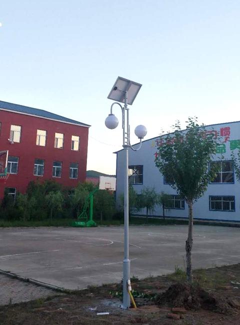 内蒙古扎兰屯市4米太阳能庭院灯